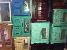 Custom Color and Style Jewelry Box by TheVintageBeach on Etsy, $68.00