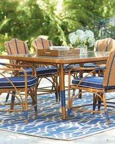 Area pranzo con tappeto - Tappeti da esterno per arredare con stile la zona pranzo all'aperto.