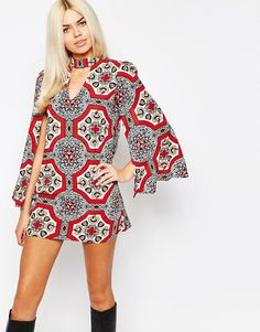 Motel | Motel Cape Sleeve Shift Dress In Retro Print at ASOS