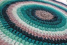 Tapis mandala au crochet - fil de trapilho - 77 cm de diamètre
