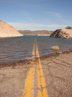 A wet road I found in the desert - Imgur