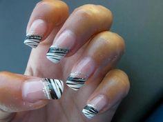 16 Diseños de Uñas de Cebra en Blanco y Negro - ε Diseños de Uñas Decoradas з
