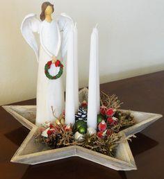 Luxusní advent Nadčasová luxusní adventní dekorace. Svíčky jsou vyměnitelné. Aranžmá má především dekorativní charakter. Při zapálení prosím neponechávejte bez dozoru. Pouze jeden originál.