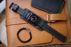 Brazalete de cuero negro Apple Watch banda por BlackForestAtelier