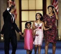 Barack, Michelle, Malia, and Sasha Obama Malia Obama, Michelle Et Barack Obama, Barrack And Michelle, Barack Obama Pictures, Obama Photos, Barack Obama Family, Obama Daughter, First Daughter, Presidente Obama