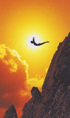 Ok, this takes a healthy, err, pair. >>Sunset Cliff Diving in Acapulco When Is Sunset, Beautiful World, Beautiful Places, Cliff Diving, Fear Of Flying, Foto Art, Mellow Yellow, Strand, Silhouettes