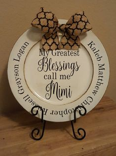 Personalized Greatest Blessings Mimi Charger Plate with names of grandchildren, Grandparent Gift, Ma Charger Plate Crafts, Charger Plates, Vinyl Projects, Diy Craft Projects, Birthday Gifts For Girlfriend, Daddy Birthday, Personalized Plates, Vinyl Gifts, Craft Show Ideas