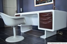 70s office desk, space age design