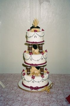 Western Theme Wedding and buttercream cakes with fondant barbed wire (held up with strategically placed toothpicks in the. Western Wedding Cakes, Western Cakes, Round Wedding Cakes, Western Theme, Buttercream Cake, Fondant Cakes, Charro Wedding, Cowgirl Cakes, Quince Cakes