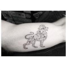 Item dans Dr Woo, la star des tatoueurs vous donne 21 magnifiques idées de tatouages sauvages et géométriques !