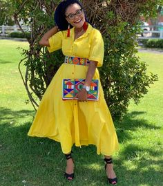 African Wear Dresses, African Wedding Dress, African Outfits, African Wear Designs, African Design, African Beads Necklace, African Jewelry, Pedi Traditional Attire, African Traditional Wear