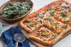 Summer Vegetable Pizza with Garlic-Lemon Broccolini Summer Recipes, New Recipes, Vegetarian Recipes, Blue Apron Vegetarian, Sample Recipe, Original Recipe, Vegetable Pizza, Healthy Snacks, Garlic