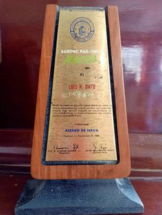 "Luis G. Dato, over the years, since the 1960s, received awards and recognition from different organizations and schools. Ateneo de Naga University Sarong Pag Omaw Given by the Ateneo de Naga University on September 11, 1988, posthumously, it reads: ""Maski na ngani an ginamit nyang tataramon gikan sa sarong estrangherong kultura, an boot asin puso... Service Club, Certificate Of Appreciation, Lifetime Achievement Award, Grammar And Vocabulary, September 11, Local History, Organizations, Independence Day, Over The Years"