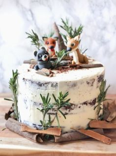 How to make a Woodland Animals Cake. With Chocolate Cake, Cherry Pie filling, an… How to make a Woodland Animals Cake. With Chocolate Cake, Cherry Pie filling, and Frosting recipe included. Animal Birthday Cakes, Birthday Cakes For Teens, Baby Birthday Cakes, Baby Cakes, 2nd Birthday Cake Girl, Christmas Birthday Cake, Birthday Animals, Birthday Ideas, Gateau Baby Shower