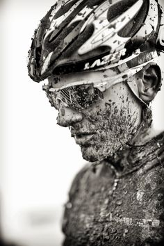 Sport is lifre Paris Roubaix, Cycling Sunglasses, Bicycle Race, Road Cycling, Cycling Tips, Sports Photos, Road Bikes, Bike Life, Triathlon