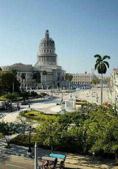 La Habana Teatro Alicia Alonso y el Capitolio