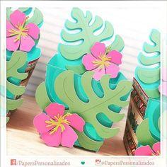 Lembrancinha para festa Moana: ideias lindas, lindas! : ᐅ Mil dicas de mãe Moana Birthday Party, Moana Party, Luau Birthday, Luau Party, Birthday Parties, Flamingo Party, Moana Theme, Hawaiian Party Decorations, Tropical Party