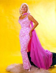 Jayne Mansfield  in pink....