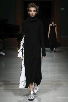 Aganovich Ready To Wear Fall Winter 2016 Paris