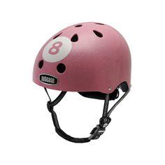 Casco Nutcase de original diseño, modelo Pink8,  idoneo para usar en tu bici de ciudad, con patines o patinetes. Fabricado con los mejores materiales para tu seguridad.Ideal para tus traslados ciclistas urbanos