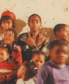 Tupac as a young kid. Who knew he would grow to become king of hip-hop. Tupac Shakur, 2pac, Tupac Photos, Tupac Pictures, Tupac Wallpaper, Arte Do Hip Hop, Ropa Hip Hop, Tupac Makaveli, Gangster Rap