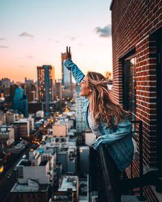 New York Travel Photos Travel Photography - travel outfit summer New York Pictures, New York Photos, Poses Photo, Picture Poses, Photo Profil Instagram, City Photography, Amazing Photography, Fashion Photography, Senior Pics