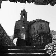 El monasterio de Caaveiro. Antiguo monasterio español que se estableció en el año 934 en las Fragas del Eume para acoger a los numerosos anacoretas que vivían dispersos en la zona. http://ift.tt/2FnPFs8