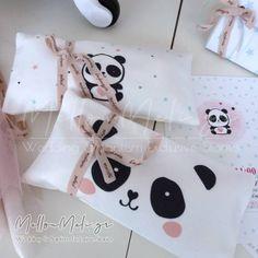 """Μπομπονιέρα κασετίνα """"Panda"""" Panda, Gifts, Wedding, Valentines Day Weddings, Presents, Favors, Weddings, Pandas, Marriage"""