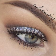 taylorkmakeup gets girly with glitter. Cut crease #glitter.