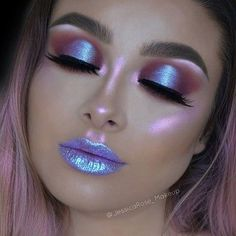 Beautiful Makeup Artist Tips For Colorful, Glittering And Dark Eyeshadow. Makeup Ideas Image 15 If you like neon colors, you might be interested in this makeup idea. The color of the eye shadow and lipstick match with each other looks… Continue Reading → Alien Makeup, Unicorn Makeup, Mermaid Makeup, Unicorn Eyeshadow, Alien Halloween Makeup, Mermaid Eyes, Makeup Goals, Makeup Inspo, Makeup Hacks
