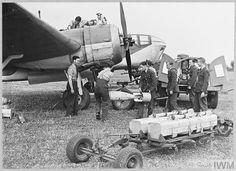 Bristol Blenheim, Make Ready, Ww2 Aircraft, Royal Air Force, Engagements, Caption, Wwii, Planes, Aviation