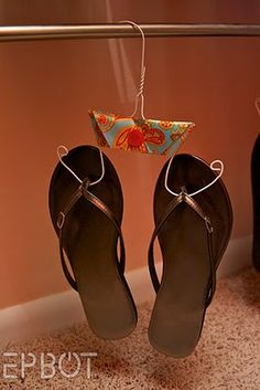 OMG.. this is great...Flip-Flop (and other flat shoes) holder!