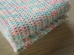 Easy Crochet Baby Blanket by Claire from CrochetLeaf.com