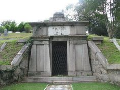 The Richmond Vampire is an urban legend that began soon after a collapse on the Chesapeake and Ohio Railroad's Church Hill Tunnel at Church Hill, a district of Richmond, Virginia, which buried several workers alive on October 2, 1925.The story told of a blood covered creature with jagged teeth and skin hanging from its muscular body that emerged from the cave-in and raced toward the James River. Pursued by a group of men, the creature took refuge in Hollywood Cemetery, where it disappeared…