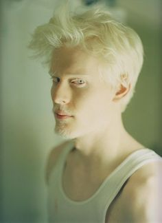 albino model Stephen Thompson, such a beautiful man. Amazing face, amazing…