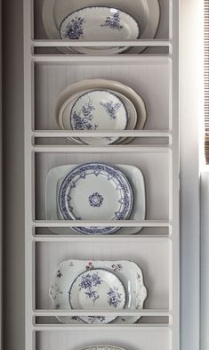 A Plate Rack Filled With Beautiful Lavender Plates From Cedar Hill Farmhouse. What Is Your Color Of The Year? It is safe to say that you are Adding New Color To Your Home? Perceive How I Added Lavender To My House. Home Decor Lavender Decorating Wooden Plate Rack, Plate Rack Wall, Diy Plate Rack, Wooden Plates, Plates On Wall, Plate Racks In Kitchen, New Kitchen, Kitchen Decor, Kitchen Ideas
