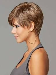 18 Awesome Pixie Haircut For Thick Hair We Love for 2018 Square Face Hairstyles, Short Hairstyles For Thick Hair, Haircut For Thick Hair, Short Hair Cuts, Short Hair Styles, Pixie Cuts, Short Pixie, Wavy Hair, Thick Haircuts