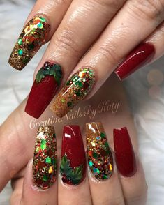 Shakira Nails In love with this babies  #winecolornails #christmasnails #miasecretproducts #glitternails