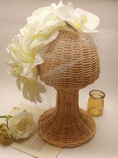 白無垢用ヘッドドレス♪   オーダーお問い合わせはwebsiteからお願いします。http://amarige.ciao.jp