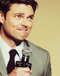 Karl Urban! This is just my favorite picture ever. That is all.
