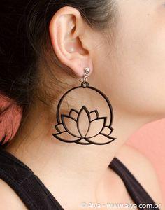 https://www.aiya.com.br/acessorios/Brinco-Lotus#.VjwjoLerSM8