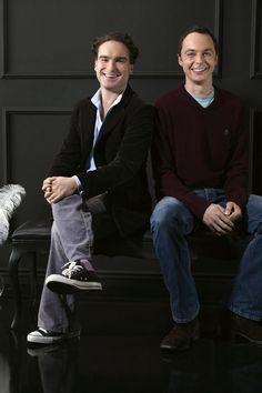 Big Bang Theory - Sheldon with Leonard