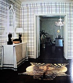 Albert Hadley, black and white, plaid wallpaper, zebra rug, living room, plaid walls Interior Design Work, Interior And Exterior, Black And White Love, White Plaid, Entry Hallway, Entryway, Albert Hadley, Plaid Wallpaper, Black Floor