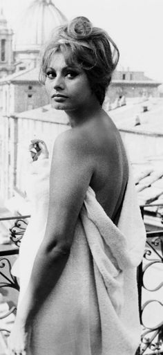 Sophia Loren - the Towel Scene with carry Grant in Houseboat 1958-