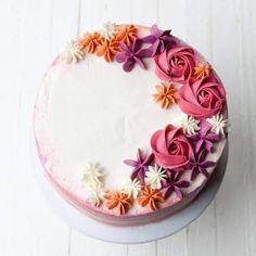 Best Lovely White Colors Flowers Cake. JS yummy. . facebook.com/yummyjs twitter.com/yummyjs Instagram.com/jsyummy2 linkedin.com/in/jsyummy . . #jsyummy #yummy #sweets #puddingcake #cupcakes #heardshafecake #drinks #whiteforestcake #baking #Pink #Rose #Cake #Pinkrosecake #cartoon #cake #vanila #cake #vanilacake #happy #birthday #cake #happybirthdaycake #flowerscake #Flowers #flowers #love #cake #Flowerslovecake #Firni #softcake #whiteflowerscake Frosting Flowers, Buttercream Flower Cake, Cake Icing, Buttercream Flowers Tutorial, Cake Flowers, Flower Cakes, Eat Cake, Pink Rose Cake, Buttercream Techniques