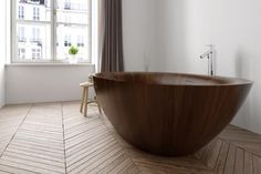 "Holzbadewanne ""Laguna Pearl"" von Alegna #badezimmer #bath #badewanne #holz #wellness"