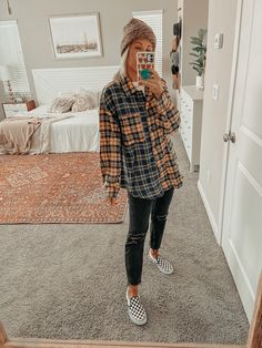Trendy Fall Outfits, Casual School Outfits, Cute Comfy Outfits, Teen Fashion Outfits, Retro Outfits, New Outfits, Stylish Outfits, Cool Outfits, Back To College Outfits