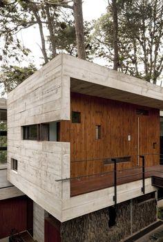 Liker stil / farger / materiale / I ett med naturen. Miksen av det rå (betong) og det mer glatte (i panel)