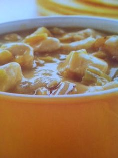 Easy crockpot recipes: Chicken Chowder Crockpot Recipe; this will be a nice, hearty meal to try during the colder months.