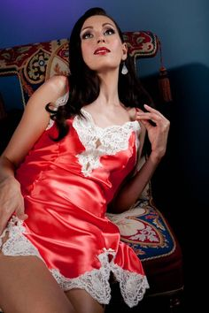 For the Love of all that is Satin and Silk : Photo